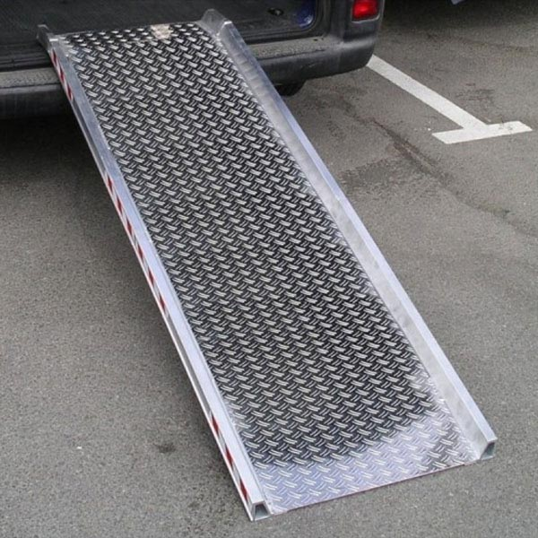 Rampe d'accès amovible en alu (L=1985 x l=640mm) DAMIER