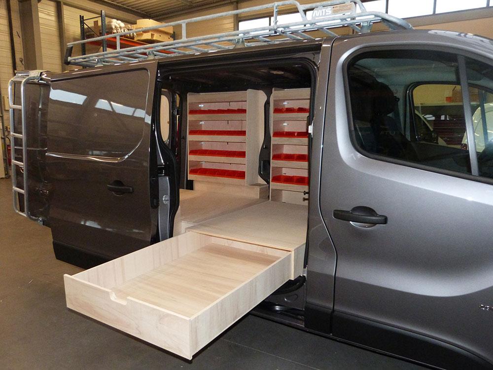 Renault trafic double plancher latéral